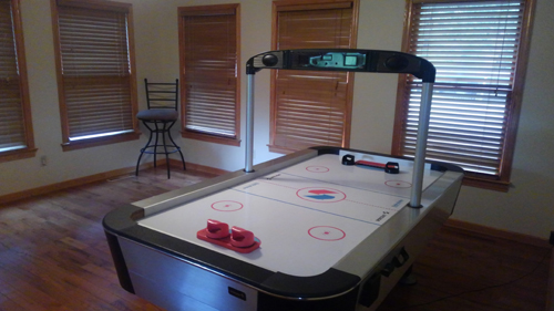 Morning Star 4 Bedroom Log Cabin Air Hockey photo in Gatlinburg - Pigeon Forge Tennessee